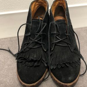 Madewell super on-trend black suede booties